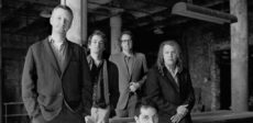 Billy_Bragg_Wilco_Press_Pic_1998_photocredit_WMG_small