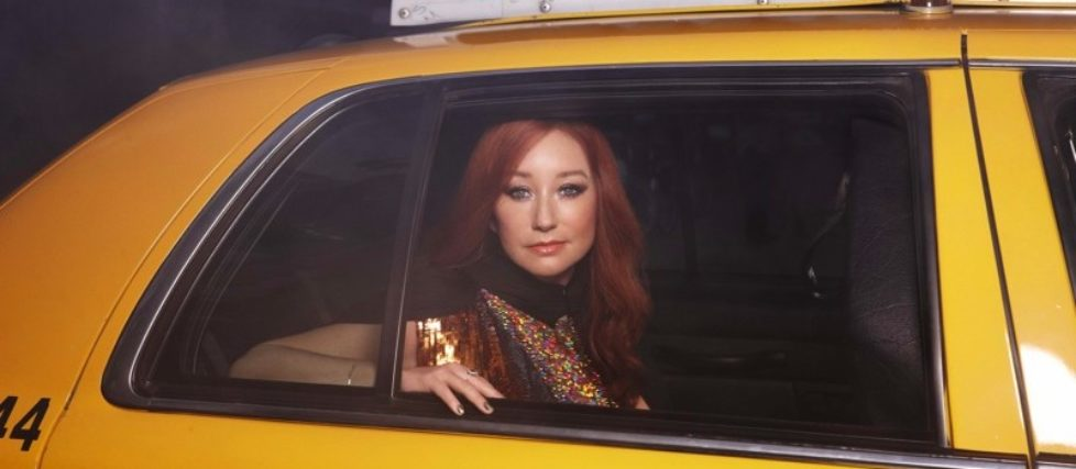 Tori-Amos-Gold-Dust-coverpic-photocredit-Deutsche-Grammophon-Danielle-Levitt