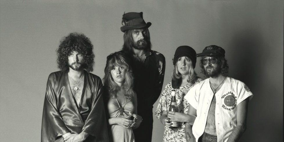 Fleetwood_Mac_Rumours_35th_Booklet_Press_Pic_00_photocredit_Herbert_Worthington-px800
