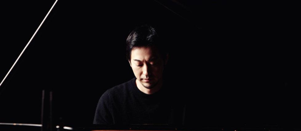 Yiruma-Pressefoto-2013-2-photocredit-Ho-Geun-Kim-px800