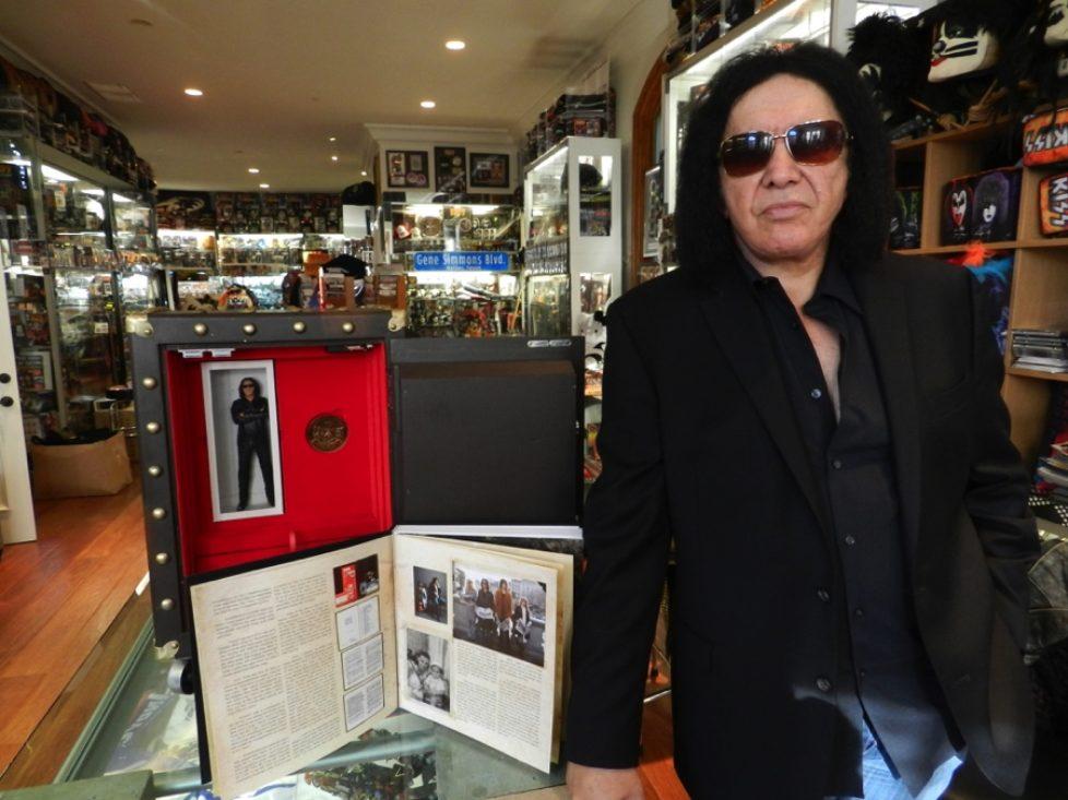 """Gene Simmons: Rocklegende und Medienmogul feiert 50 Jahre Rock mit """"The Vault Experience"""""""
