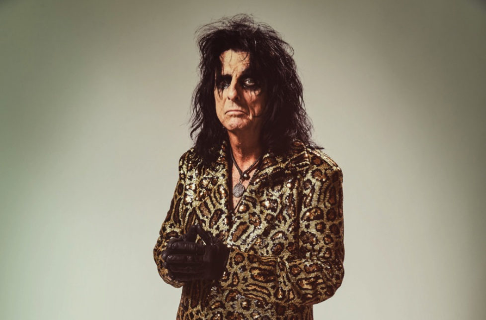 Alice Cooper-Paranormal-press-pictures-online-print-copyright-earMUSIC-photocredit-Rob-Fenn-5-cropped-px900