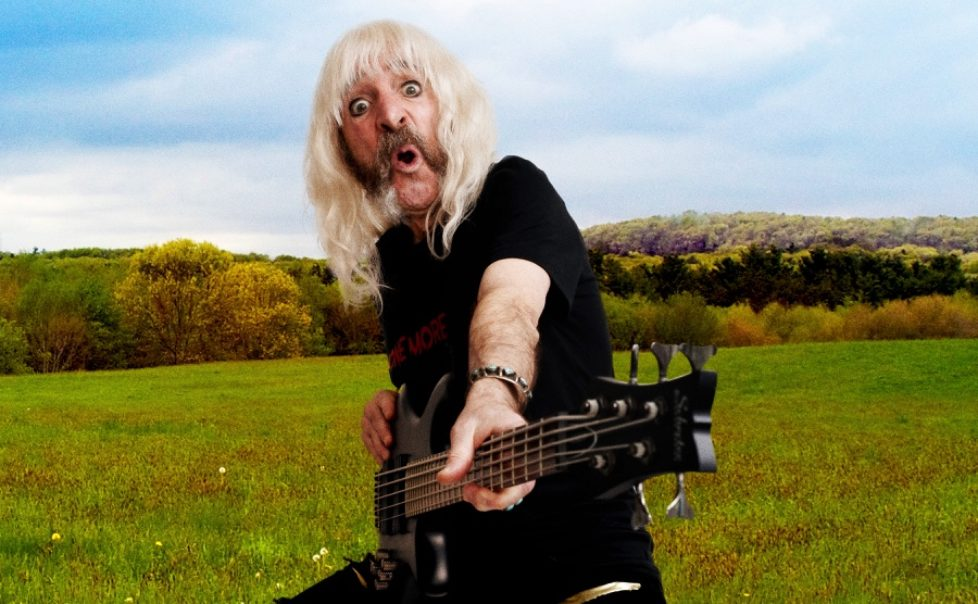 Derek-Smalls-Press-1-Photocredit-Rob-Shanahan-cropped-px900