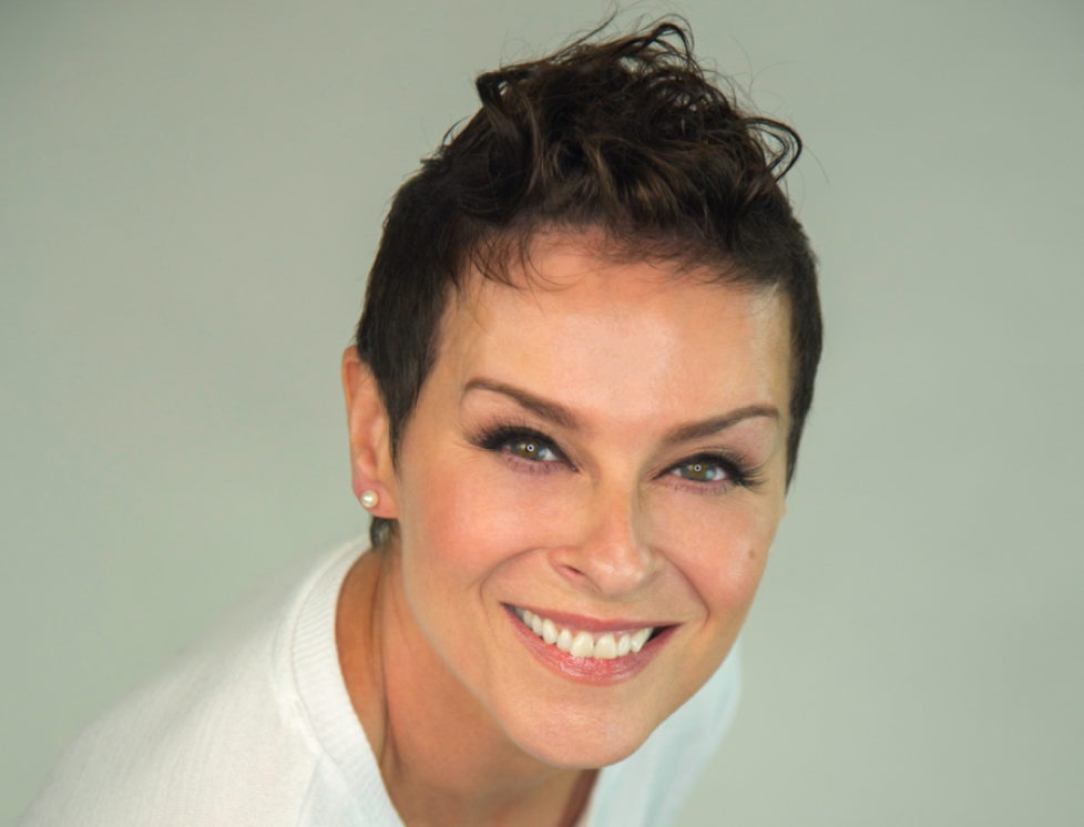 Lisa-Stansfield_Deeper_press_picture_4_credit_earMUSIC_copyright_Ian_Devaney-cropped-px900
