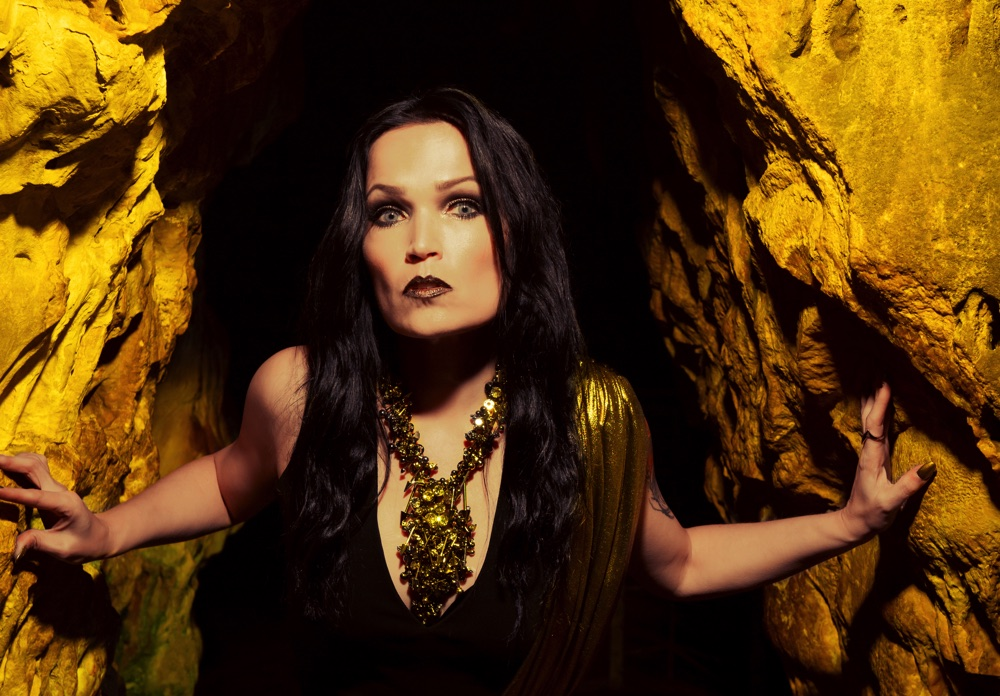 TARJA-In-The-Raw-Press-Pictures-062019-Copyright-earMUSIC-Fotocredit-Tim-Tronckoe-cropped-1000px