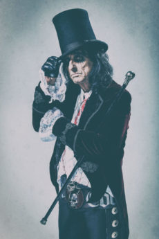Alice Cooper-press-pictures-online-print-copyright-earMUSIC-photo-credit-Rob-Fenn-1000px